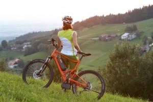 Mit Mountainbike-Pedelec entpannt die Landschaft genießen