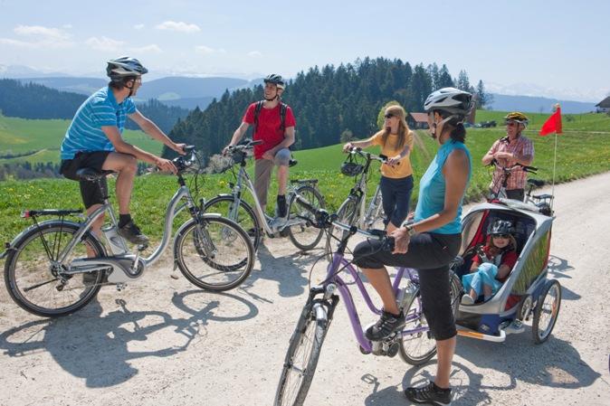 E-Bikes sind ideal für Ausflüge und längere Touren - auch mit Anhänger