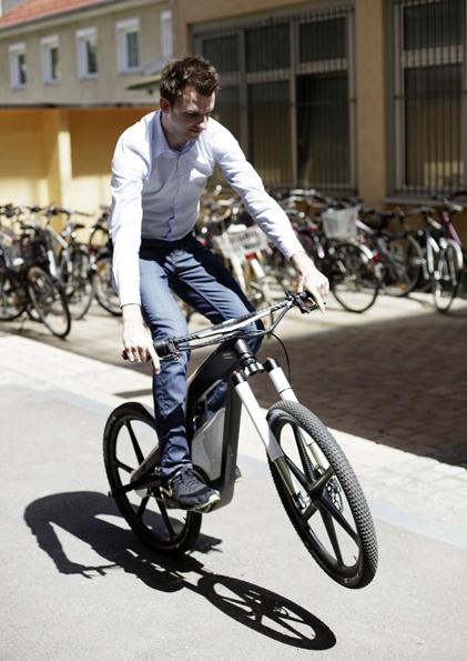 """audi e-bike """"woerthersee"""" lotet neue grenzen aus (videos)"""
