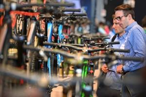 E-Bikes jetzt noch günstig kaufen! Branche sieht satten Preisanstieg