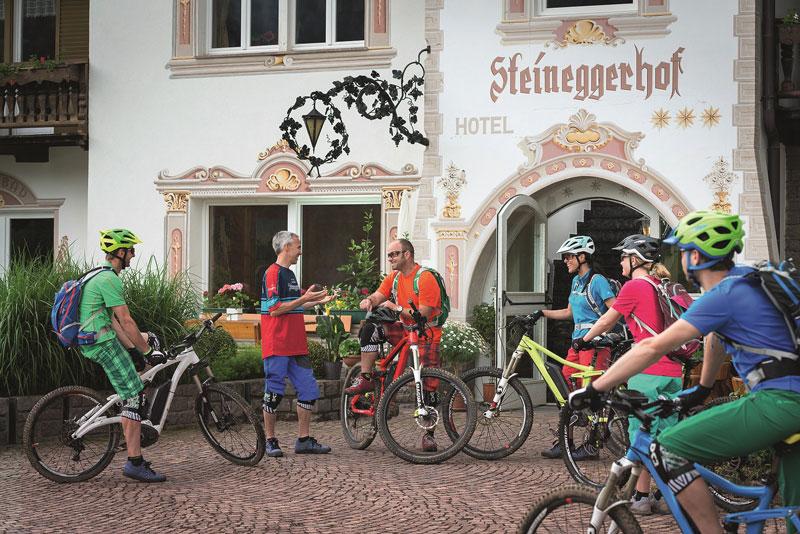 Egal ob in Mittelgebirgen oder in den Alpen: Immer mehr Regionen entdecken E-Mountainbikes