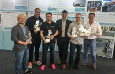 Im Rahmen der Pedelec Award Ceremony auf der Taipei Cycle Show 2017 überreichte Hannes Neupert, 1. Vors. ExtraEnergy e.V./Executive Director EnergyBus e.V. (Bildmitte), die Awards an (v.l.): Bernie Wang, Sales, Klever Mobility Inc., Thomas Binggeli, Chairman, myStromer AG, Bernd Lesch, Head of Export, Winora-Staiger GmbH, Markus Riese, President, Riese & Müller GmbH, Mark van Oel, Research Development, Stella Fietsen