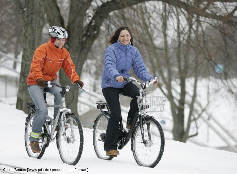 Mit guter Pflege und der richtigen Kleidung kommen sie auf dem e-Bike gut durch den Winter